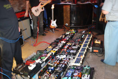 let 39 s find out who has the most on their pedalboard my les paul forum. Black Bedroom Furniture Sets. Home Design Ideas